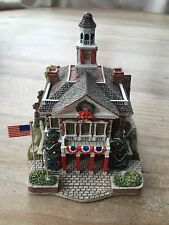 Lilliput Lane - DECK THE HALL - Disney Special Edition - Signed by Ray Day