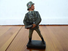 Elastolin Lineol wehrmacht soldier with mag for anti aircraft gun Wwii