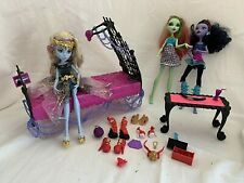 Monster High Dolls 3 & Access Mattel Bed Clothes Shoes Table & Access 30 Pcs