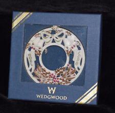 """1998 Wedgwood Noel Wreath White Jasper - Sage & Berry Ornament - 2.75""""D   MIB"""