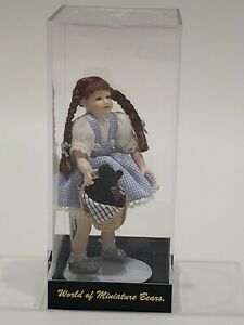 World of Miniature Bears - Dorothea Figure in case Wizard of Oz vintage new