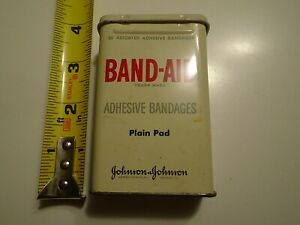 Vintage Band-Aid Tin 36 Count Adhesive Bandages plain pad Tin