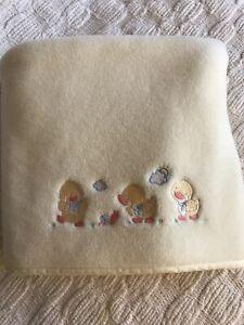 1996 Geoffrey Baby Babies R Us Yellow Fleece Blanket With Ducks
