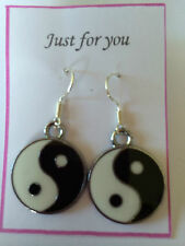 CHINESE YING YANG ENAMEL BLACK & WHITE EARRINGS DANGLE DROP Retro Kitch
