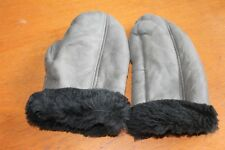Cute Vintage 1970's Grey Real Sheepskin Mittens in Excellent Condition