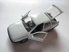 Opel Vectra A Fließheck hatchback weiß weiss bianco blanc white GAMA - NN 1:43!