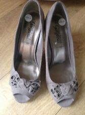 new Look vintage style taupe vintage style court shoes size 6