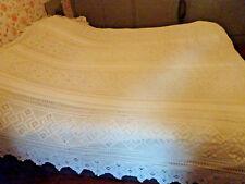 Grand Couvre-lit au crochet crème