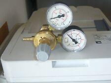 RIDUTTORE DI PRESSIONE CO2 CON 2 MANOMETRI  SALDATRICE FILO DECA 010242