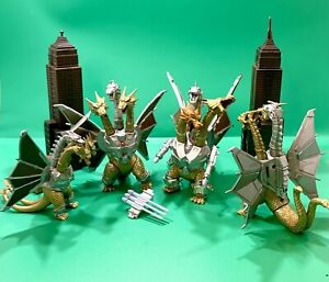 Lot of 4 Trendmasters 1994 Toho Godzilla King Ghidorah Action Figures W/2 Towers