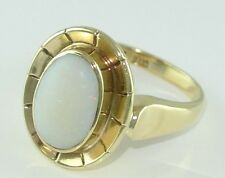 Damen-Ring mit Milch-Vollopal / 333er - 8 Karat Gold / Gr. 52 (16,5 mm Ø)