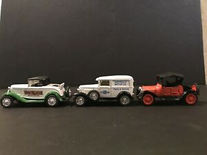 Vintage Ertl 1914 Chevrolet Royal Mail 1930 Chevy Deluxe Delivery 1932 Ford
