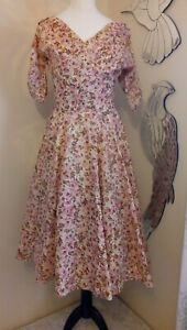 1940s 1950s Susan Small floral Dress - Ditsy Vintage - Size 6 8 XS Rockabilly(D)