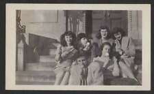 YOUNG LADIES EATING ICE CREAM CONES ON STEPS OLD/VINTAGE PHOTO SNAPSHOT-K11