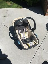 Uppababy Mesa in Lindsey, Plus 3 bases