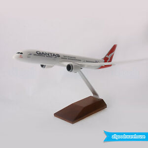Qantas Boeing 787-9 Dreamliner 1:200 Scale VH-ZNA 787 Plastic Model Aircraft