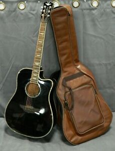 BLACK 2013 PLAYER BY KEITH URBAN 6-STRING ACOUSTIC GUITAR WITH BROWN GIG BAG