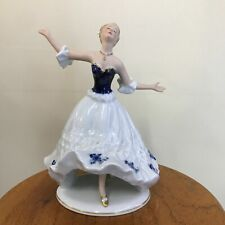 WALLENDORF 1764 - GLAMOUR LADY DANCING 20cm TALL HANDPAINTED PORCELAIN FIGURINE
