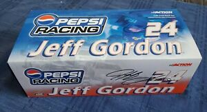 Limited Edition 2000 Monte Carlo Pepsi Racing Jeff Gordon 1:24 Diecast Race Car