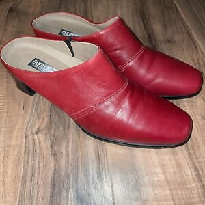 Munro American Made Low Heal Red Shock Absorbing Rubber Women's Size 10 M