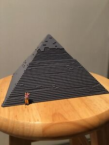 HO scale Small pyramid 3D Printed In Gray. High Detail.