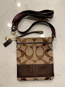 Coach Women's Signature Brown Swing-pack Crossbody Messenger Bag H0649-1012