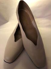Women's California Magdesians  Beige  Croc Slip on Shoes w/Tassels -Size 11