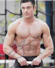 GAY INT SHIRTLESS ZAC EFRON BAYWATCH CANDID IN PERSON