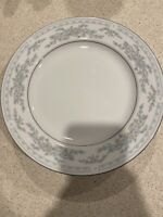 "Somerset By NL Excel  Dinner Plates set Of  4 10"" 1/4 White Floral Silver Rim"