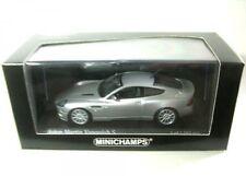 Minichamps 400137240 Aston Martin Vanquish S 2004 Silver Modellino