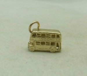 3D 9 CARAT GOLD ROUTMASTER LONDON BUS CHARM