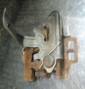 2003 - 2006  Chevrolet Silverado Front Hood Lock Latch Sierra 15063821
