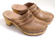 VGUC UGG Women's Size 8 Stylish Woven Tan Leather Sheepskin Lined Studded Mules