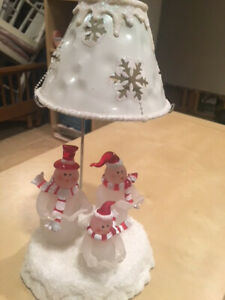 Kohls 3 Snowmen Family Tealight Candle Holder w/ snowflake shade