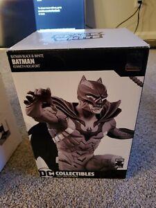 DC Collectibles Batman Black & White BATMAN by Kenneth Rocafort Statue limited