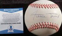 BECKETT-BAS WILLIE MAYS AUTOGRAPHED-SIGNED NL WILLIAM WHITE BASEBALL S64882