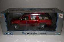 Welly 2001 Chevrolet Suburban, Red, Boxed 1/18 Scale