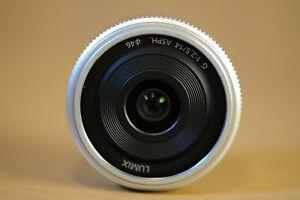 Panasonic Lumix 14mm f 2.5 Micro Four Thirds Lens SILVER