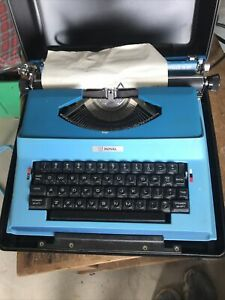 Vintage Royal Apollo 12-GT Electric Typewriter Teal Blue with Carry Case
