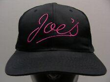 joe's - ROSA EN NEGRO - BORDADO - SNAPBACK AJUSTABLE gorra sombrero