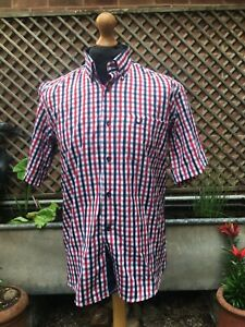 New FRED PERRY 100% cotton short sleeve check shirt  size medium