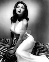 ACTRESS SHERILYN FENN - 8X10 PUBLICITY PHOTO (DA841)
