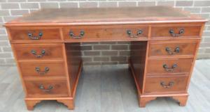 Grand bureau en bois de qualité bavure 3 parties