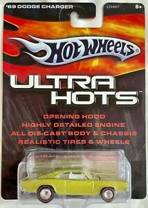 HOT WHEELS ULTRA HOTS '69 Dodge Charger Green With Redline REAL RIDERS