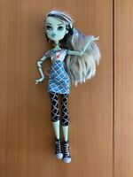 Monster High KILLER STYLE 1 Frankie Stein Doll Classrooms Shoes & Outfit