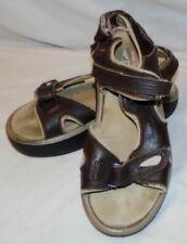 Calzado de mujer marrones MBT