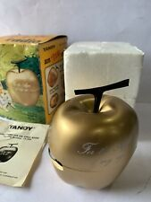 VINTAGE NOVELTY TANDY GOLDEN APPLE RADIO AM(MW)- BAND FROM THE 1960s-1970s