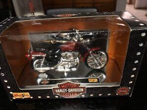 Maisto Collector 1:18 Harley Davidson 1997  XL 1200C Sportster Custum  Series #1