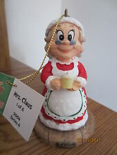 Mrs. Claus 2004 Holiday Collector Series Ornament (1 of 6)
