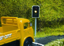More details for train tech tl10p oo gauge working traffic lights pack of 2